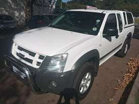 ISUZU KB 250 DOUBLE CAB IN EXCELLENT CONDITION