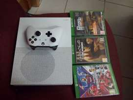 Xbox one s  500 GB   for sale