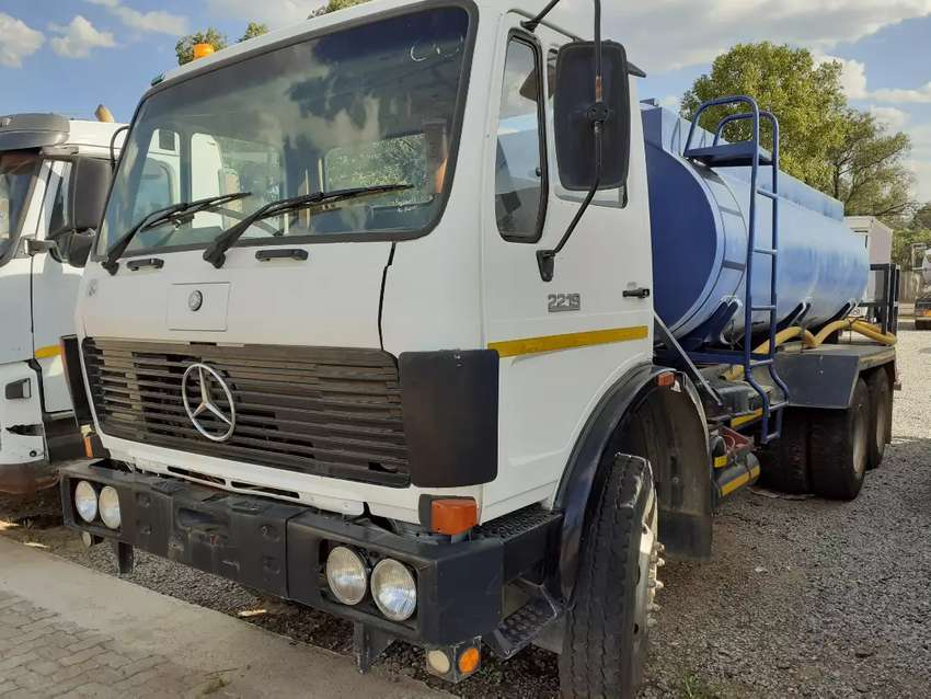 MercedesBenz 2219 Water Tanker for sale 0