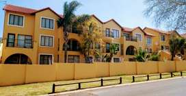 Studio apartment to let in Sundowner from the 1st October