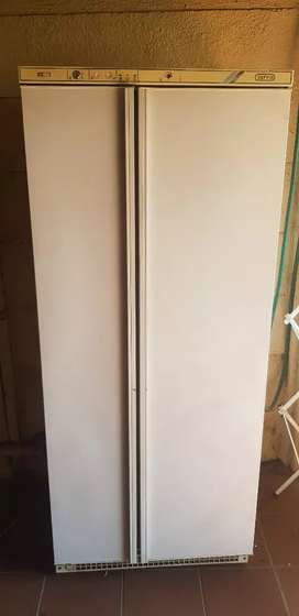 Defy Side by Side Fridge Freezer
