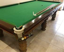 Pool / billiards Table