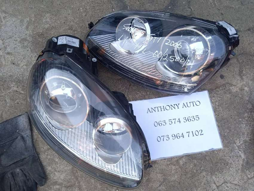 Vw golf 5 gti left and right head lamp r2500 each 0