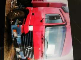 10 cube tipper truck in good condition