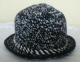 Вязаний капелюшок ( шапка )