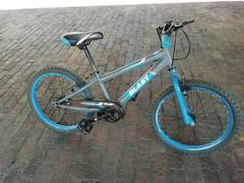 """20"""" mountain bike and scooter"""