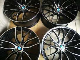 A set of brand new bmw 19inch originsl mags
