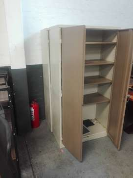 Fridge, chairs and kitchen stuffs for sale