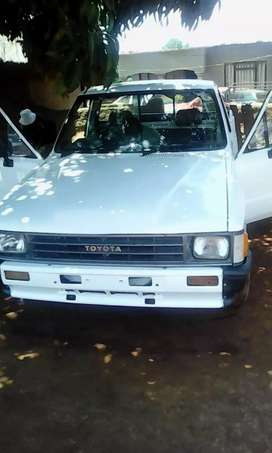 White toyota hilux in a good condition