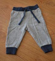 Świetne spodnie dresowe Lupilu 62/68