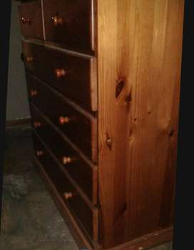 Urgent for Sale! Solid Oak Wood Chest of Drawer