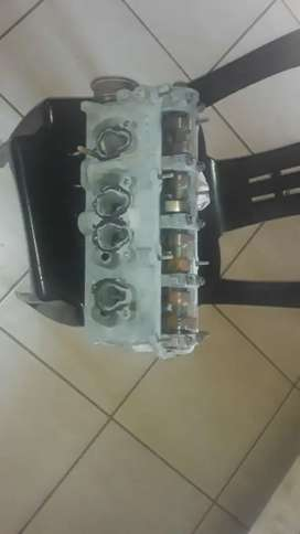 Complete head with valves and camshaft