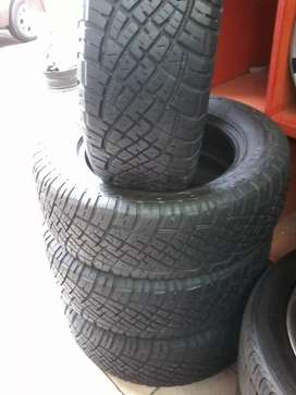 Set of 235/65/17 General Gabber A/T tyres for sell