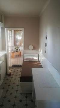 Image of Room to let-semi furnished