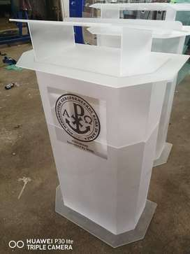 Slanted Top on Flat Top Podiums/ Pulpits