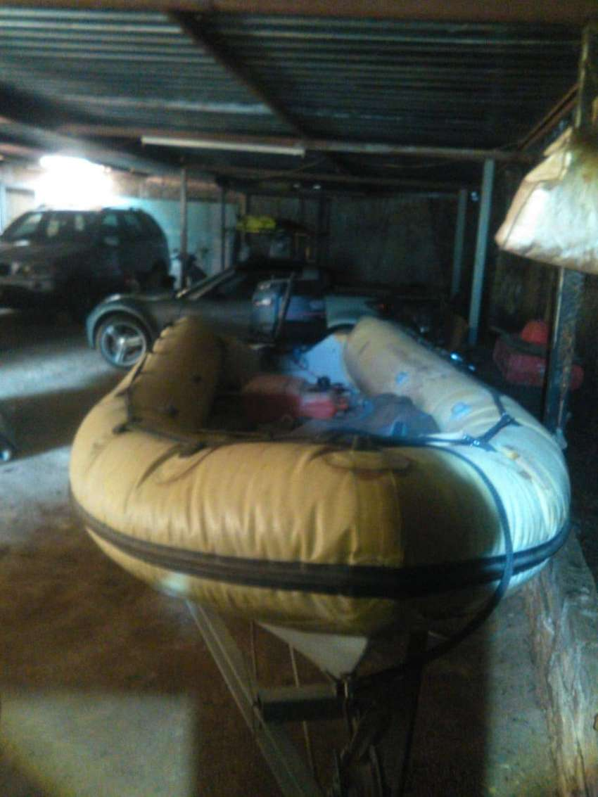 40hp engine Yamaha, Rubber duck, with licensed jet trailer 0
