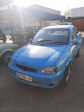 Corsa lite bakkie 1.4 stripping for spares and body accessories.