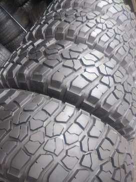 Set of bfgoodrich mud Terrain sizes 265/70/17 now available