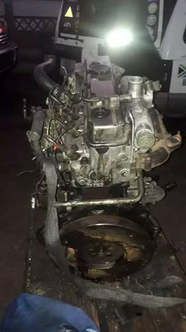 Mitsubishi 2.8 turbo diesel engine 4m40 complete start and go for Sale
