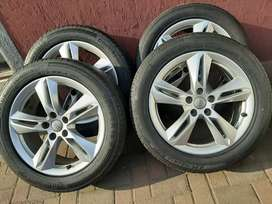AUDI Q3 MAGS & TYRES