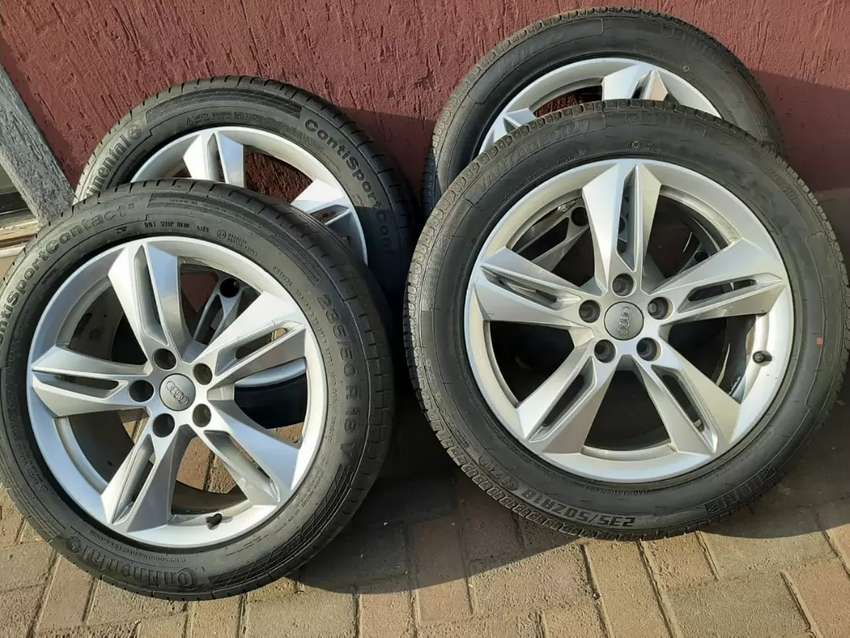 AUDI Q3 MAGS & TYRES 0