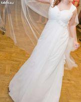 Śmietanowa, romantyczna suknia slubna!