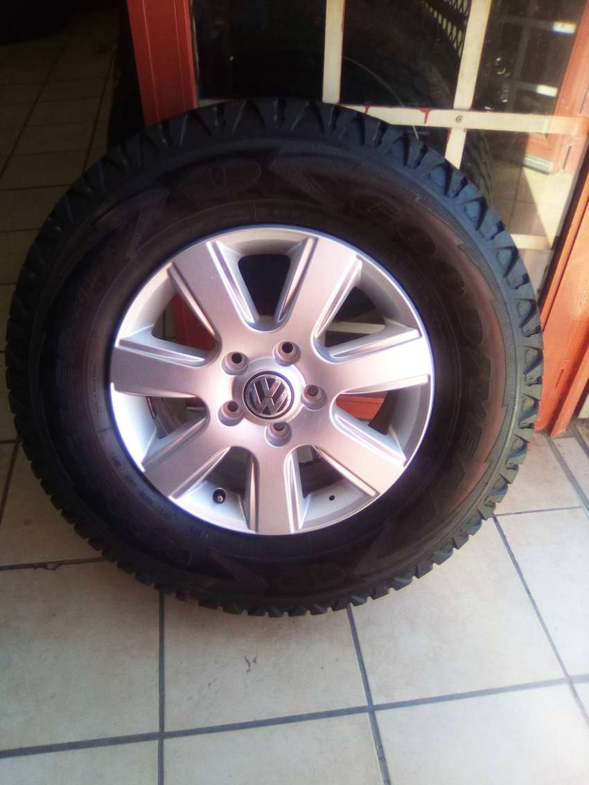 Vw amarok 16 inch mag with tyre. 0