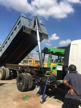HYDRAULIC FITMENT ON TRUCKS FOR SIDETIPPERS