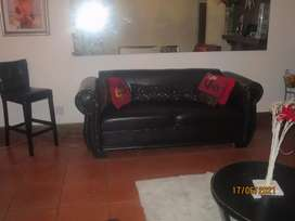 COUCH AS NEW EXC COND R3000 in Athlone area
