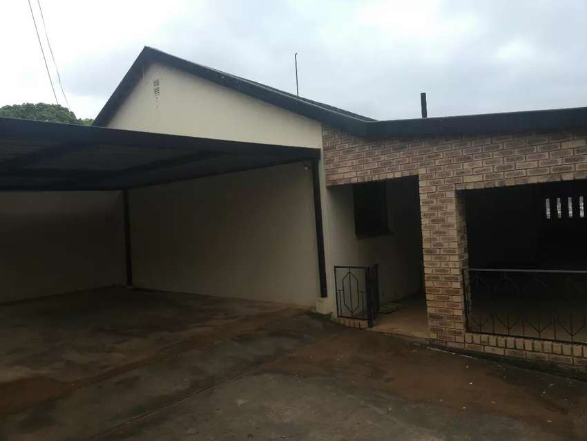 House in tzaneen Town. Good for office ect.. 0