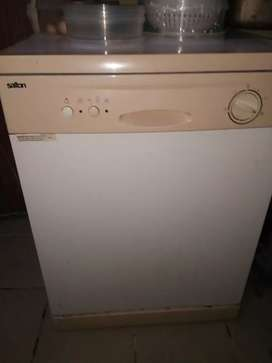 Salton dishwasher