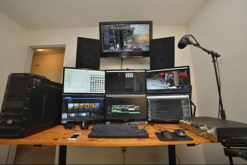 Video Editor. Proficient in After Effects, and a host of other plugins 0