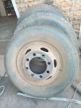 3x tyres for truck