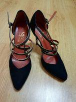 Продам женские Итальянские туфли б/у