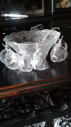 glass punch bowl in new condition