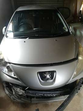 Accident demaged - Peugeot 207