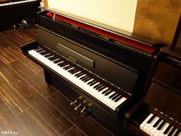 czarne pianino petrof gwarancja