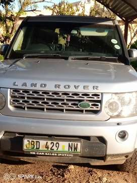 Land Rover Discovery 4 for sale. R340k will get it