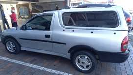 Corsa B 1.6is 2001 with canopy