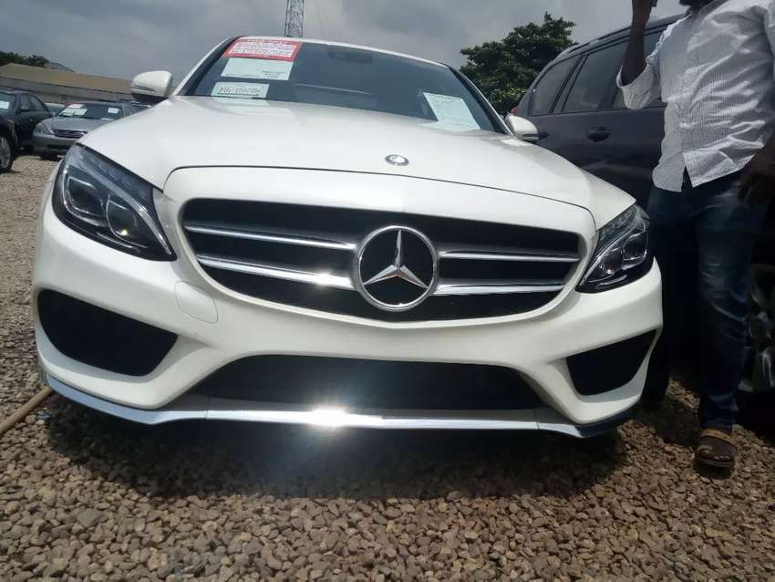 Foreign used Mercedes Benz C300 0