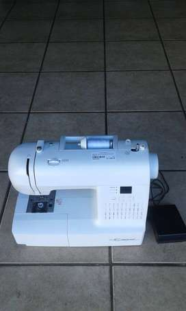 Empisal EES10 Sewing Machine in Box - S023706A