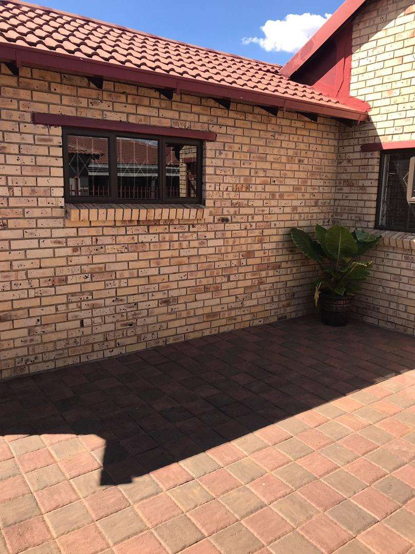 House in Grassland for Sale 0