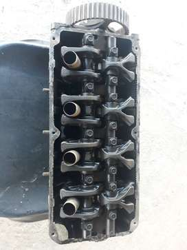 Golt rodeo 2.4 cylinder head for sale