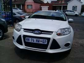2013 Ford Focus 1.6 with a service book