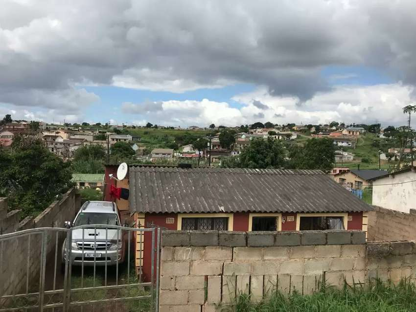 Kwamashu house for sale with fully fenced and outside building 0