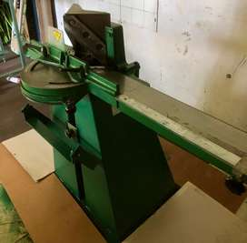 Guillotine for picture framing