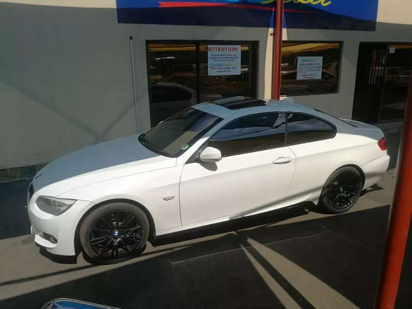 FOR SALE IN EAST RAND SPRINGS BMW 325i Coupe 0
