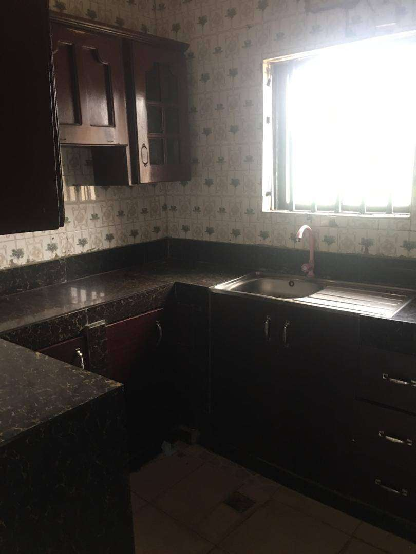 2bedroom Flat with Tiles,Water Running in Ashi Bodija Ibadan 0