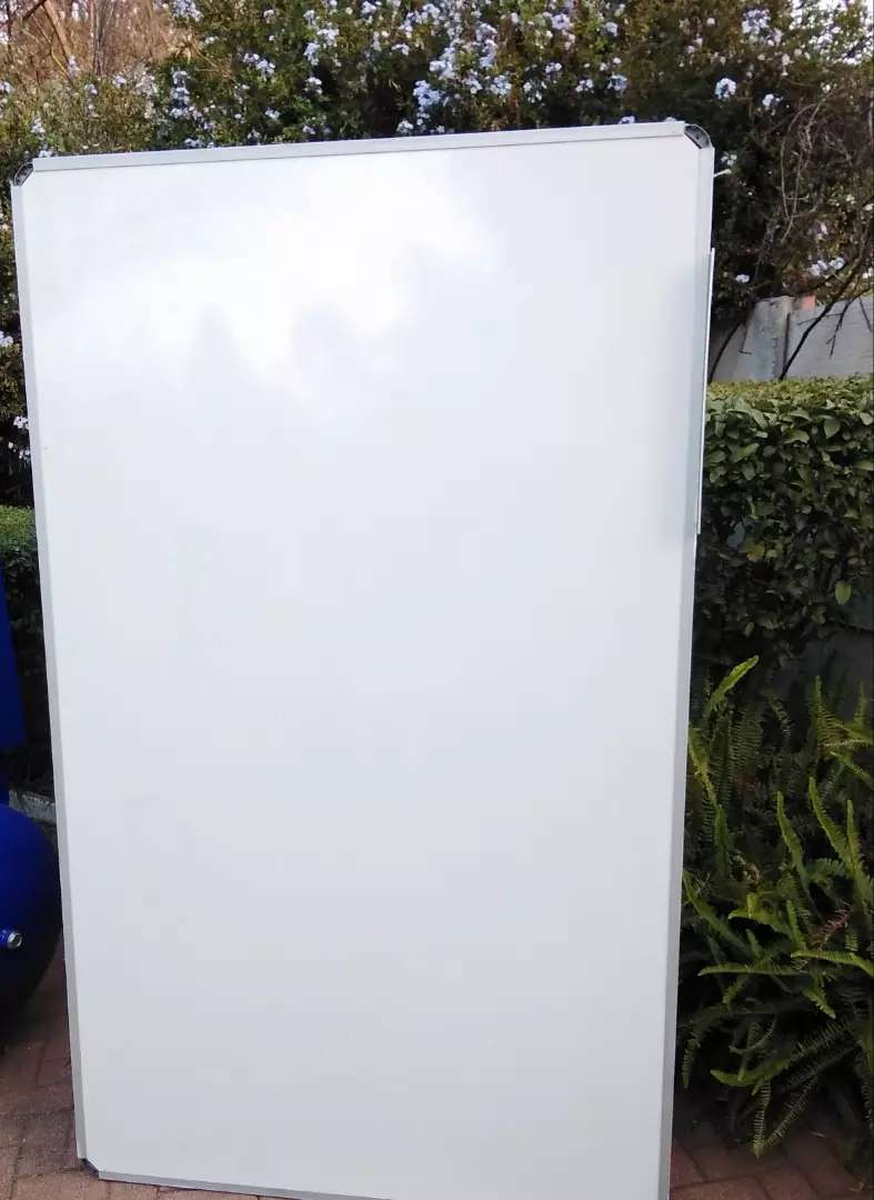 Large  White  Board 0