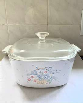 Large Casserole Dish with Lid
